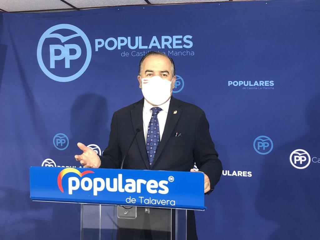 Gregorio de Los Ríos en rueda de prensa