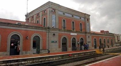 Deciden ampliar el aparcamiento de la estación de tren