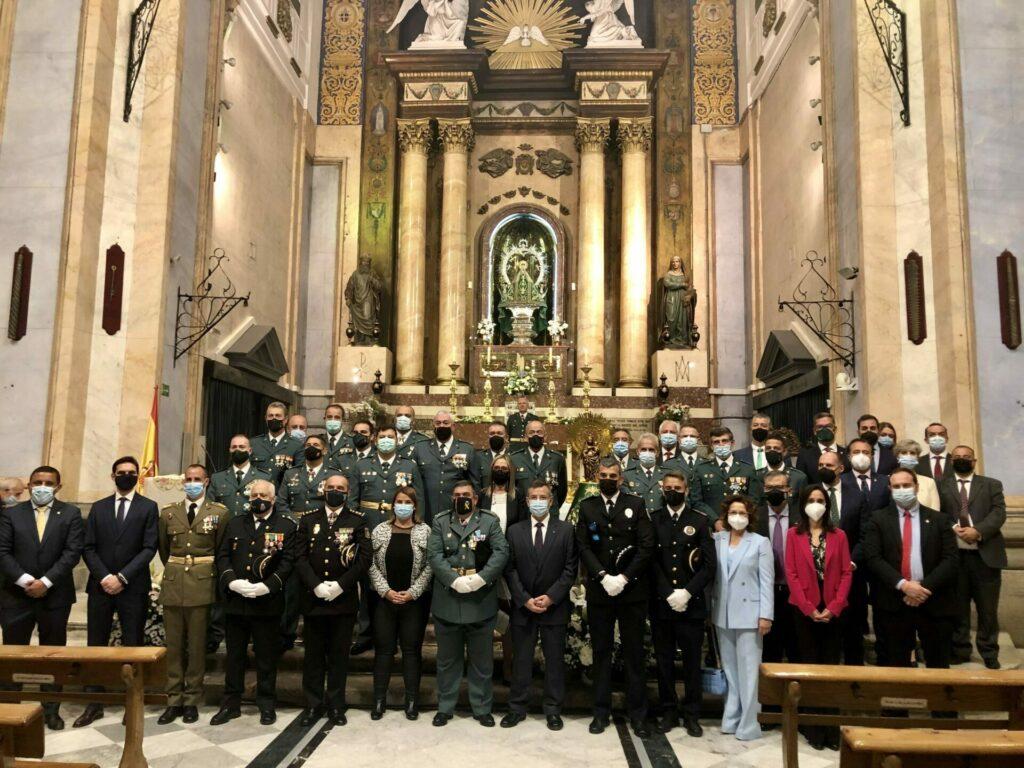 Políticos de la ciudad asisten a la misa en honor a la Virgen del Pilar